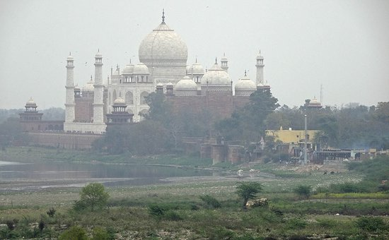 The Taj Mahal can also be seen in the short distance from the upper decks.