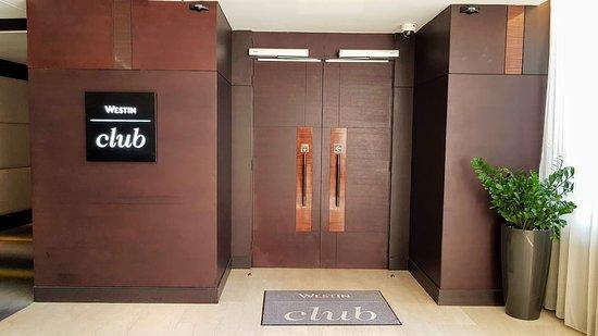 The Westin Doha Hotel & Spa: Entrance to the Club lounge
