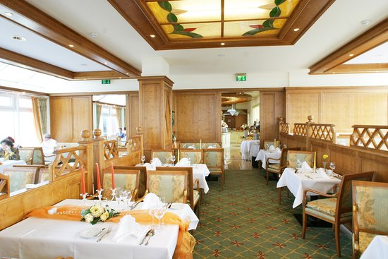 روجارد ستراند هوتل: Halbpensions Restaurant in der 6. Etage mit unvergleichlichen Panoramablick auf Binz, die Ostsee und der Binzerbucht.