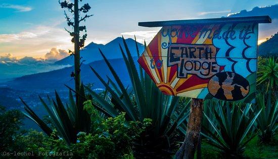 Earth Lodge照片