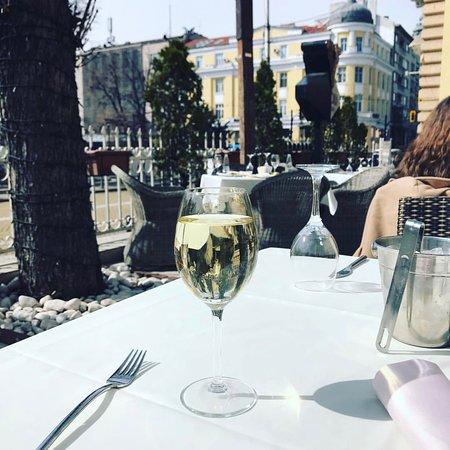 Cheeky glass of Sauvignon Blanc in the sunshine...