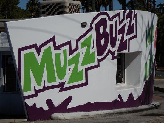 Muzz Buzz Yokine
