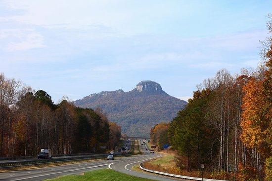 Mount Pilot Country Store: Pilot mountain overlook