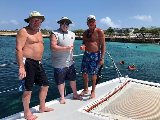Octopus Sailing Charters: Octopus Aruba Private Sailing - We will make sure your day is unforgettable. We can arrange a relaxing Caribbean cruise or help you set up a party for your companions. Whether you're hosting a special occasion, celebrating an important milestone in your life, bidding someone farewell, or simply spending holiday with people close to you, our captain and friendly crew are dedicated to giving you an unforgettable sailing experience.
