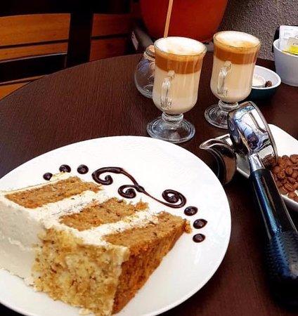 deliciosos café de especialidad y originales tortas