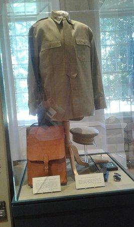 MacArthur's uniform