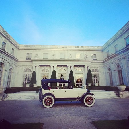 Our Studebaker and Rosecliff Mansion. The perfect pairing