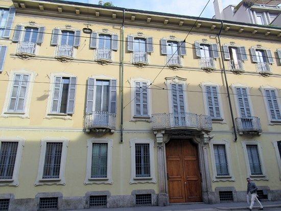 Palazzo Corso Magenta 60