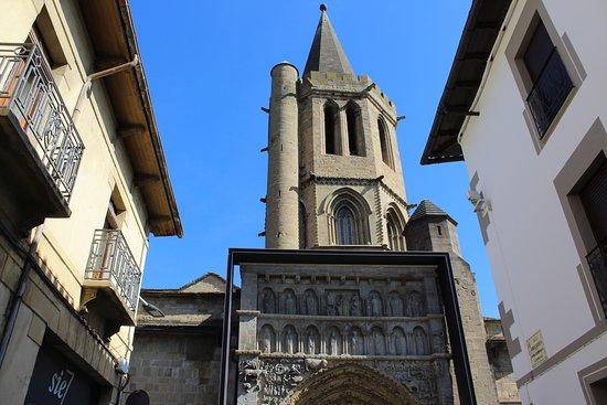 Iglesia de Santa Maria la Real