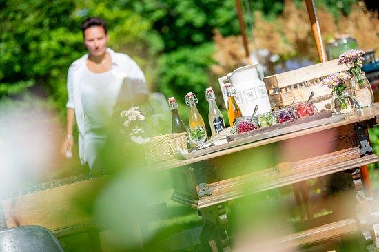 Belle Epoque Restaurant : Schweizerhof Flims Garden in Summer