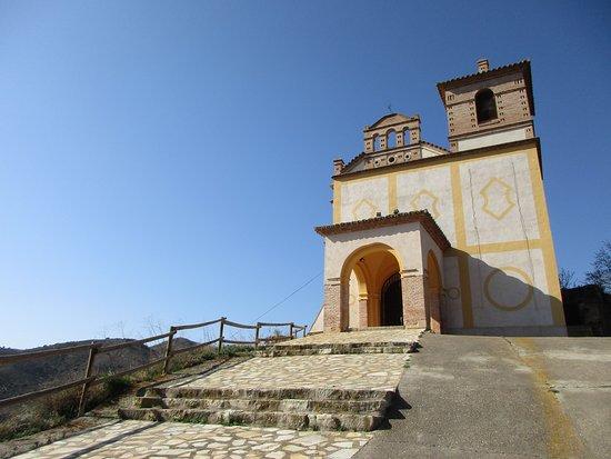 Ermita de la Virgen de la Esperanza en Bubierca, se construyó sobre los restos del antiguo castillo y ha sido restaurada gracias al empeño del alcalde de pueblo