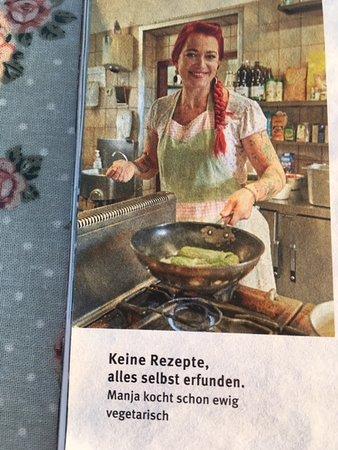 Gasthaus Schellenberg: Gestanden , die Manja und bescheiden