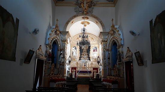 Igreja Nossa Senhora das Merces: Nave e altar-mor da Igreja das Mercês