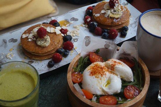 as panquecas e os ovos