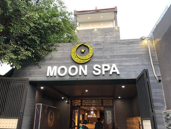 Moon Spa & Nails