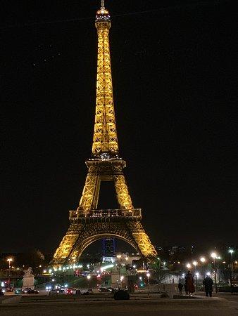 Πύργος του Άιφελ: At night!