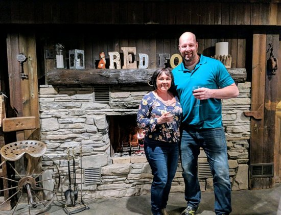 Red Fox Winery & Lounge