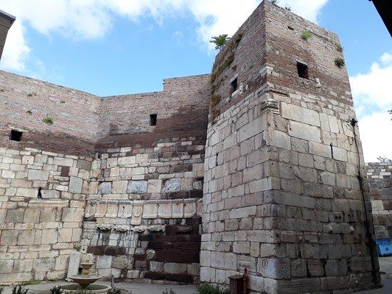 Ankara Castle: Inner castle walls