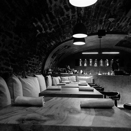 Restaurant Taniere: Bar vault