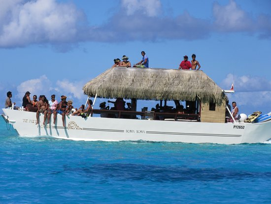 Signature Lagoon Snorkelling Tour: Neat boat passing us-4th stop
