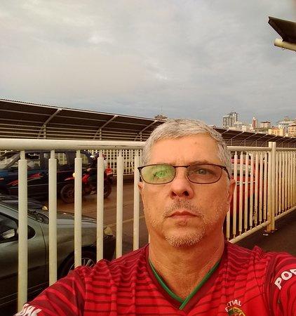 Ponte da amizade ao fundo Ciudad Del Este