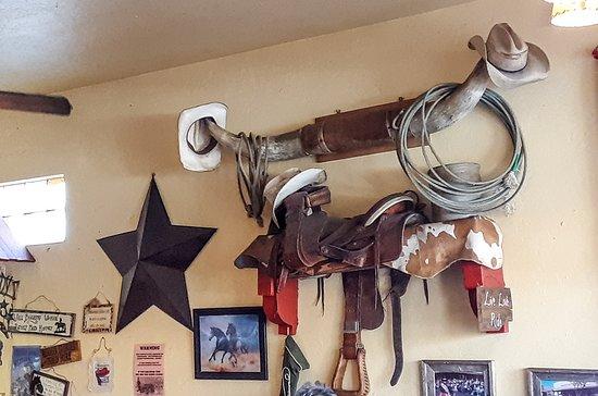 Horseshoe Cafe: Cowboys welcome