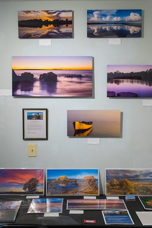 Photographs from Art4U Gallery in the Kansas City area in Parkville, MO