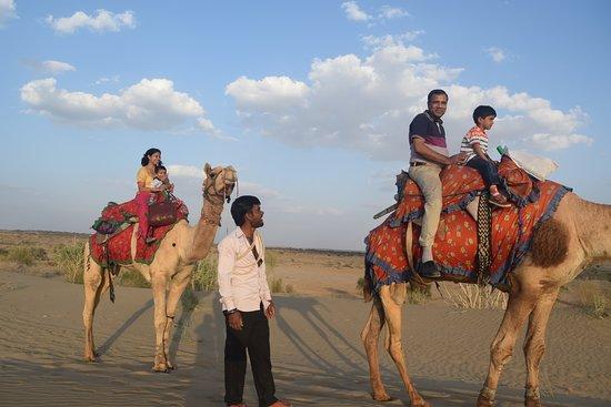 Aamantran Tours: Camel Safari in Jaisalmer