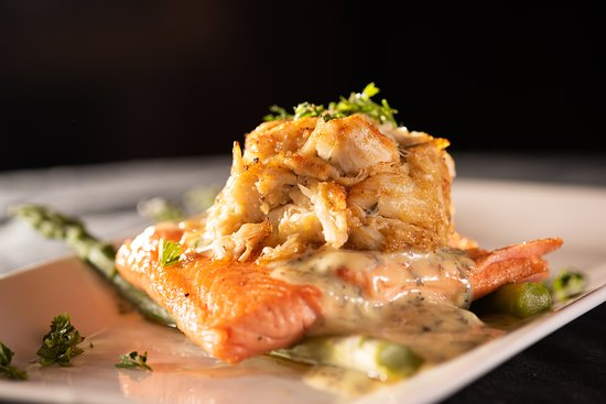 Chaz 51 Steakhouse: Scottish Salmon with Blue Crab and Bearnaise Sauce