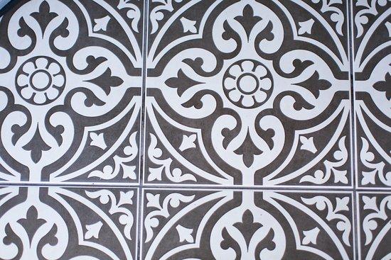 Gloucester House: Entrance Tiles