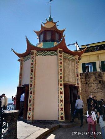sala da te esterna in stile orientale