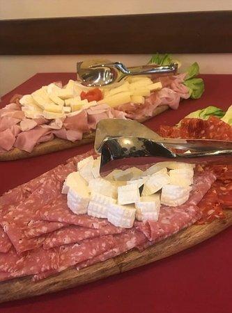 Taglieri formaggi e salumi