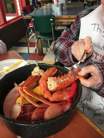 Joe's Crab Shack: There are about 6 different versions of this pot!