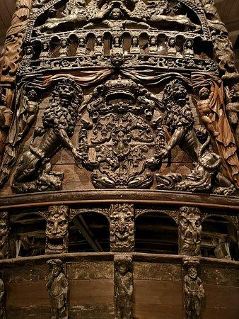 Μουσείο Βάσα: The stern and its intricate woodwork