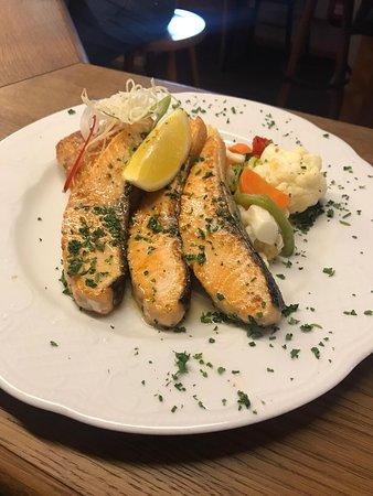 Stadthotel & Restaurant Kachelofen: Lecker Lachsschnitten 😋