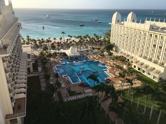 Hotel Riu Palace Aruba: Looking west from 10 floor balcony