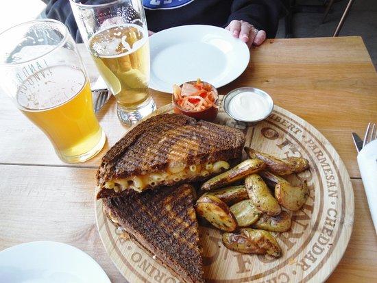 Land & Sea Brewing Company: Mac Cheese Sandwich & potatoes