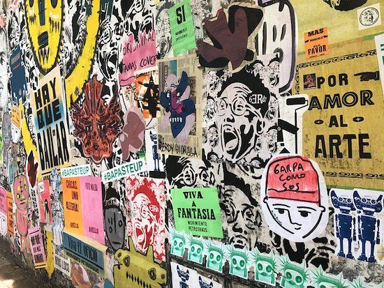 Small-Group Buenos Aires Graffiti Art NorthTour: cool paste up