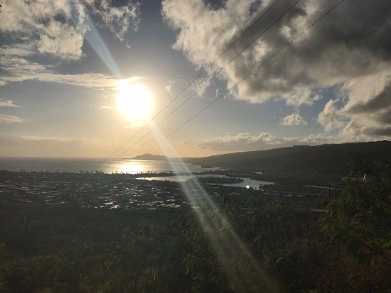 Thrilling,exhilarating challenging hike for myself.  Was extremely beautiful and worth every bead of sweat.  Met some amazingly friendly people and a piece of myself atop that hike. Maholo Hawai'i