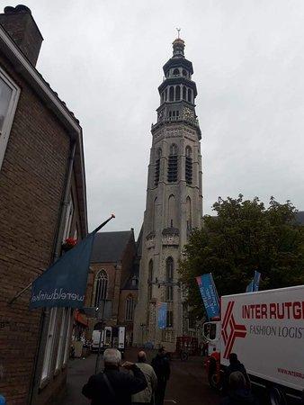 Abbey Tower of Long John (Abdijtoren de Lange Jan): En el hermoso centro histórico de Middelburg se destaca la orgullosa torre de la Abadía de Lange Jan