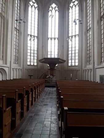 Abbey Tower of Long John (Abdijtoren de Lange Jan): La Abadía de Middelburg fue construida por los monjes Norbertinos en el Siglo XII; cuenta con 3 Iglesias, 5 torres y una serie de puertas.
