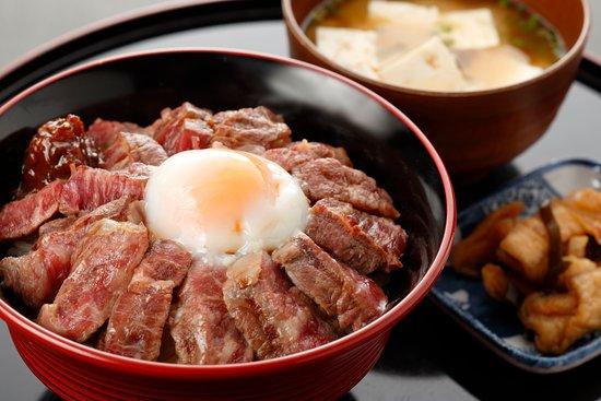 極みのあか牛丼セット ¥1620