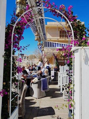 es trenc beach restaurant ,  paella mallorca ,  tapas mallorca ,  beach restaurant mallorca , Es Trenc Strand restaurant ,  Colonia de Sant Jordi  restaurant ,  Cassai Beach House ,  Mallorcafood  ,  comer en Mallorca , restaurante en Mallorca ,