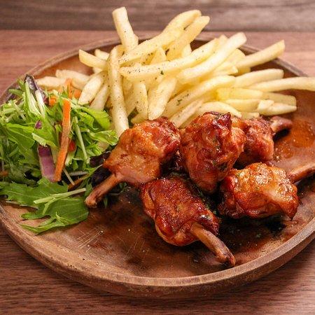 Sakura Cafe Jimbocho: Smoked Chicken Leg