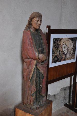 Interno statua della Cappella Marchionale