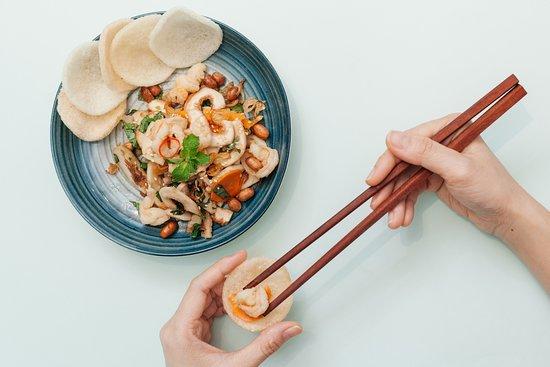 Vả trộn tôm thịt Vietnamese fig salad with pork & shrimps ベトナムいちぢく、豚肉、エビの和え物