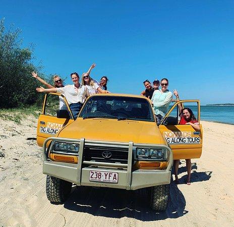 Vores to-dags-tur til Fraser Island. Et besøg ved Lake Mabby, Lake McKenzie, en Creek og skibsvraget på øen. Det var en guidet tur med Nomads. Det var en rigtig god tur med mad inkluderet i prisen🕺🏼 det er anbefalelsesværdigt!