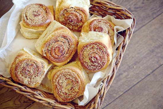 Natural Bread: Versatile treats for breakfasts, lunches and snacks