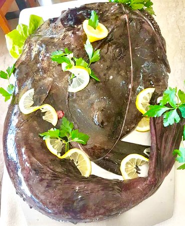 Ristorante L'Ancora: Rana Pescatrice ⚓️ ⚓️ ⚓️ ⚓️ ⚓️ ————————— #Formia #Italy #ponza #bonappetit #Roma  #amalficoast #italianpasta #Napoli #igerslatina #italianpasta #picoftheday #foodblogger #positano #foodpic #instalike #caramelle #Gaeta #visitformia #instafood #igersitalia #igersformia #foodporn #pasqua #pasquetta #chiacchiere #mediterraneo #mediterranean