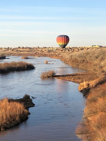 Albuquerque Hot Air Balloon Ride at Sunrise: Rio Grande ballooning